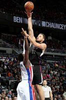Blake Griffin Elevates for a Shot inside vs Detroit Pistons